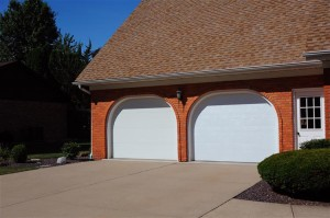 2284-overhead-garage-door