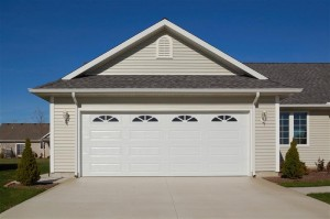 4283-steel-garage-door