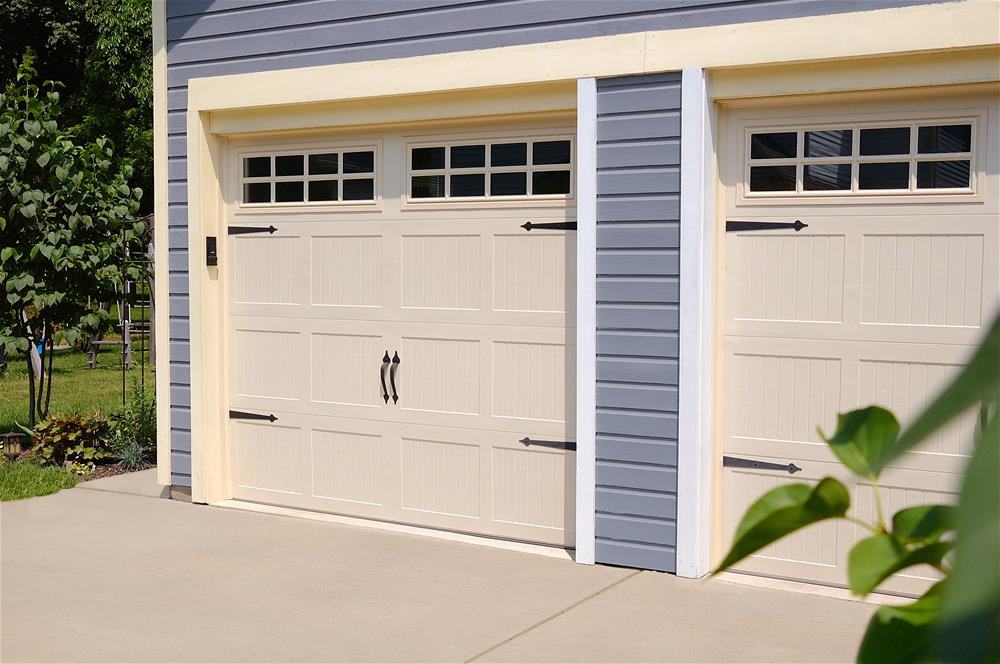 Carriage House Stamped 5250 Ottawa Garage Door Systems